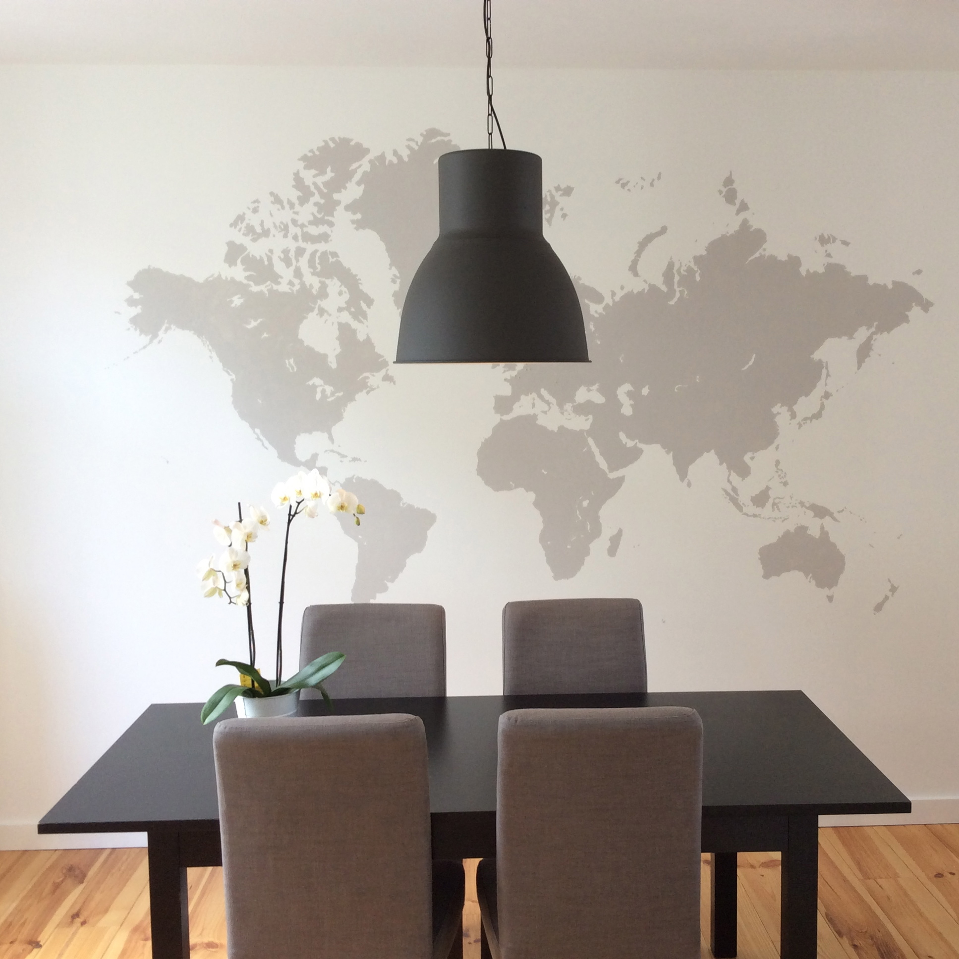 diy 6 une mappemonde murale pierre papier ciseaux. Black Bedroom Furniture Sets. Home Design Ideas