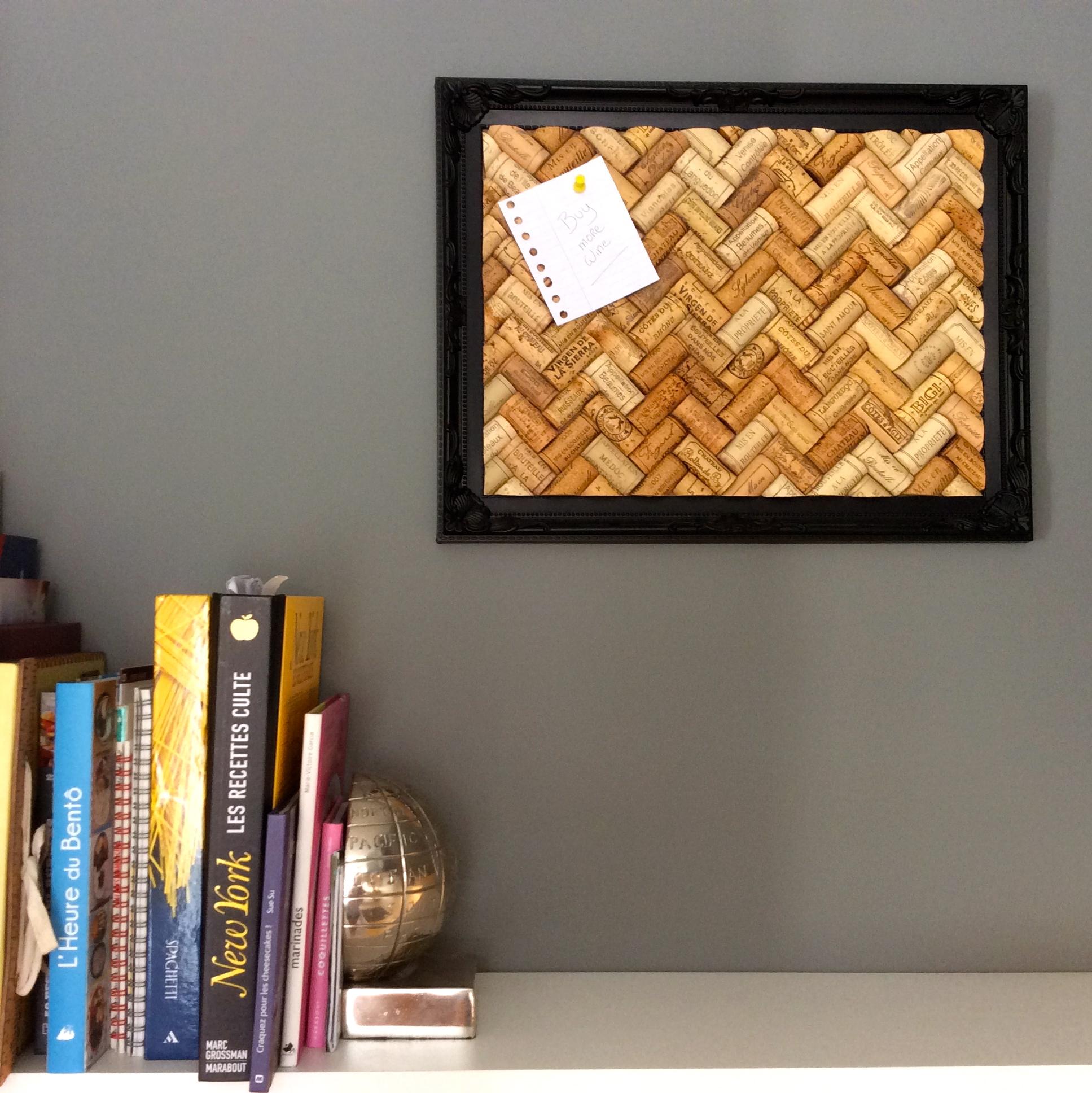 recycler les bouchons en li ge pierre papier ciseaux. Black Bedroom Furniture Sets. Home Design Ideas