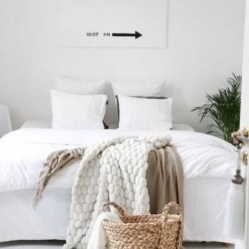 plaids confortables sur le lit