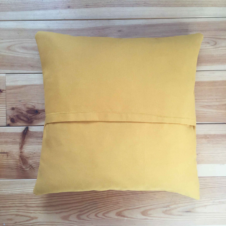 Diy 50 une housse de coussin enveloppe pierre for Housse coussin fauteuil