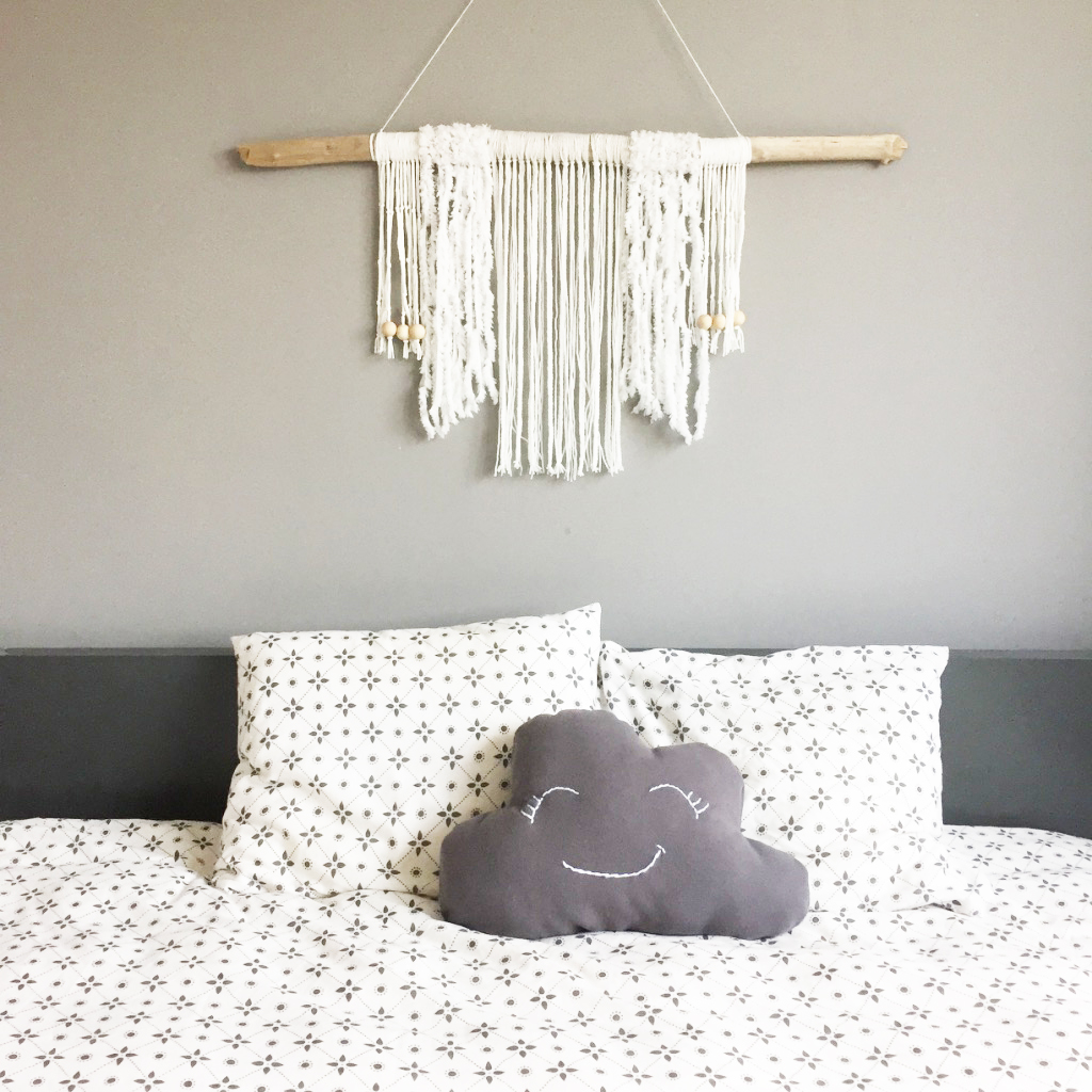 diy 53 un coussin nuage pierre papier ciseaux. Black Bedroom Furniture Sets. Home Design Ideas