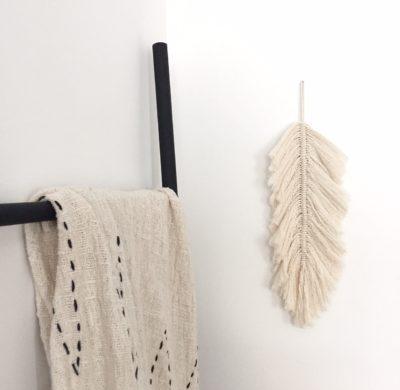 DIY #65 – Une plume bohème en macramé