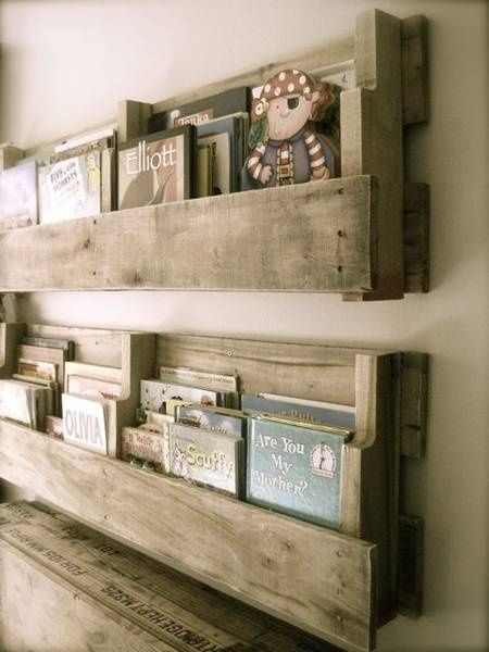 d tourner les palettes en bois pierre papier ciseaux. Black Bedroom Furniture Sets. Home Design Ideas