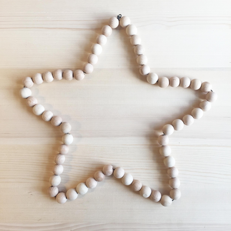 DIY réaliser une étoile en perles de bois pour Noël