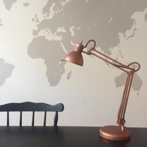 conseils pour peinture à la bombe : lampe en métal