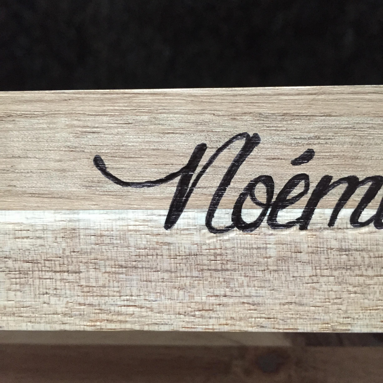 diy 18 ecrire sur du bois ou la fausse pyrogravure pierre papier ciseaux. Black Bedroom Furniture Sets. Home Design Ideas