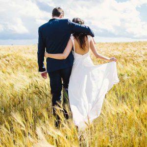 mariage champs de blé pierre papier ciseaux