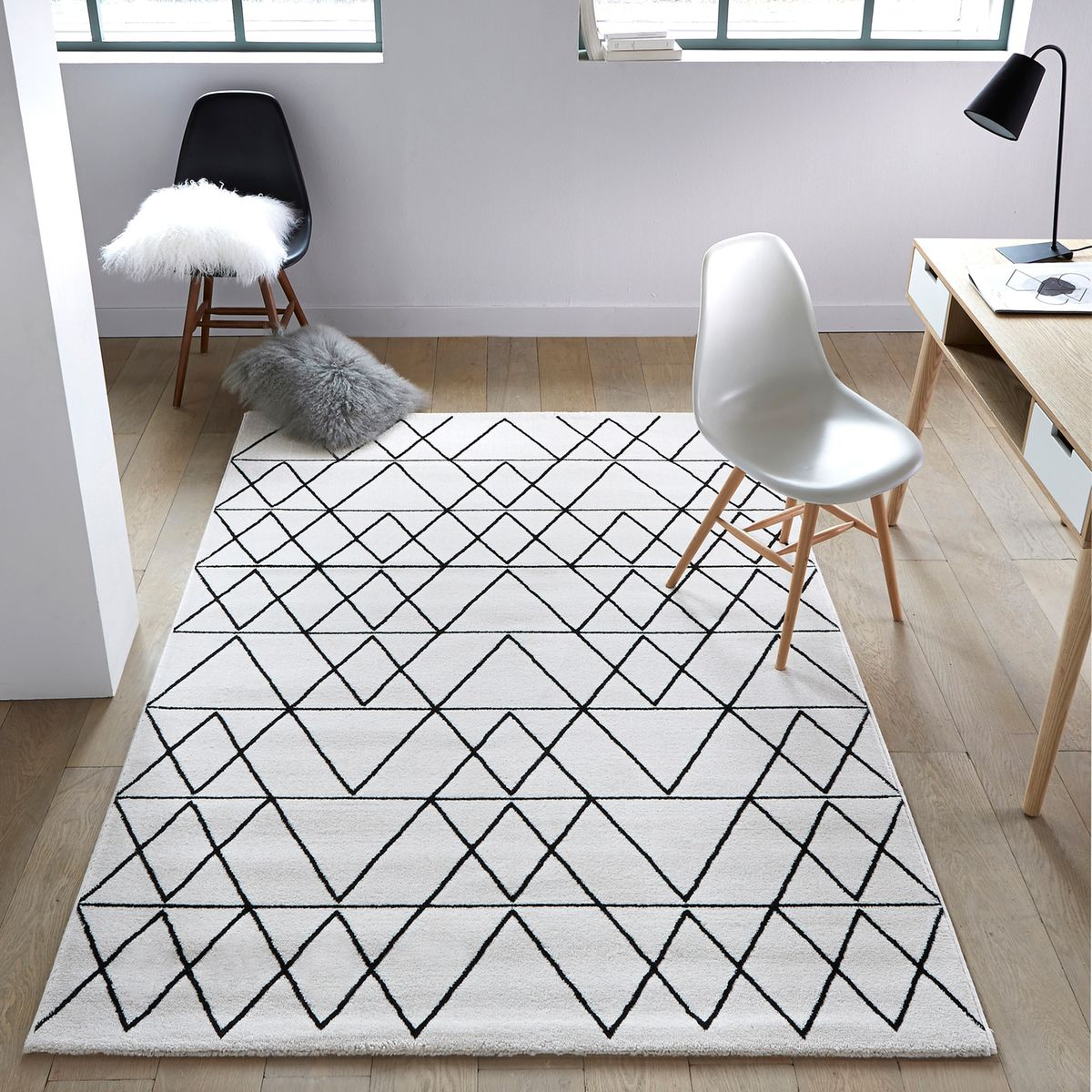 Diy 35 un tapis g om trique pierre papier ciseaux for Ikea tapis salon