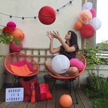 Décorer sa terrasse pour une soirée d'été – Ambiance bohème colorée