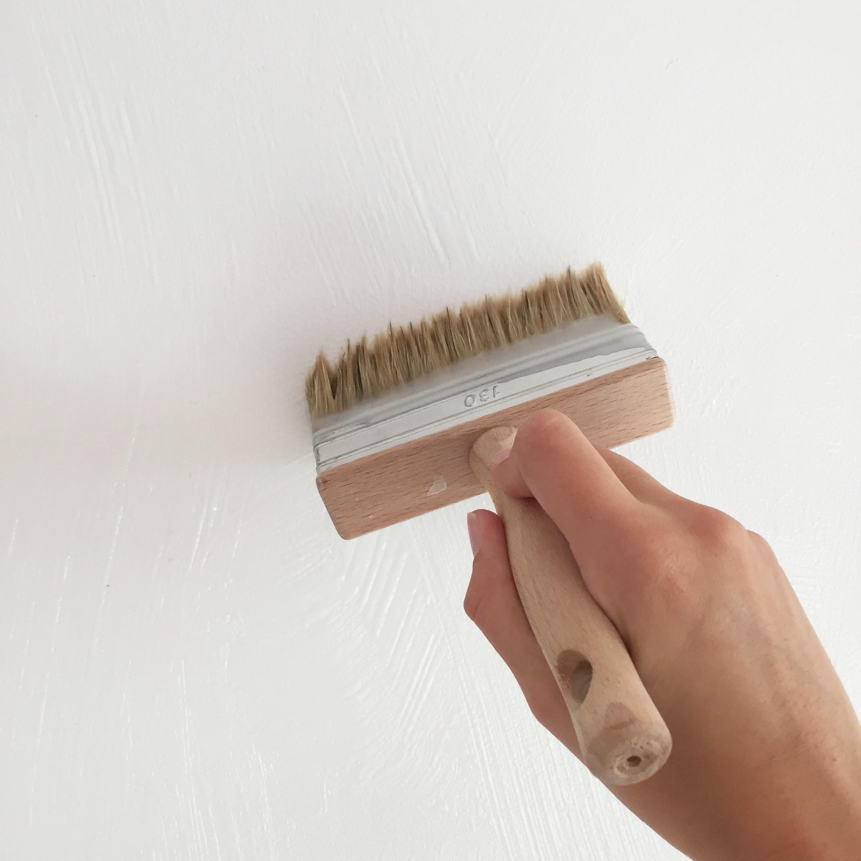 diy 54 poser du papier peint conseils et tuto vid o pierre papier ciseaux. Black Bedroom Furniture Sets. Home Design Ideas